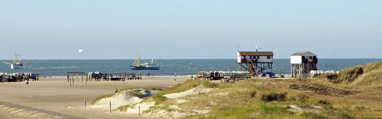 St. Peter-Ording Ferienwohnung Ufer: Foto Ordinger Strand mit Schiffen